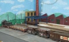 Továrna na konci stanice